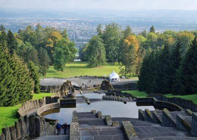 Aufrufung Lärche Kassel: phantastischer Blick von den Wasserkaskaden über ganz Kassel und das Umland, Lärche in Bildmitte